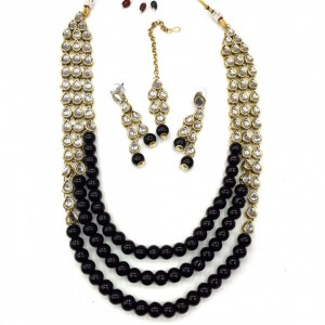 HM Necklace Set With Earrings & Maang Teeka Kundan Stone Gold Tone Black Color Beads For Woman & Girls 04