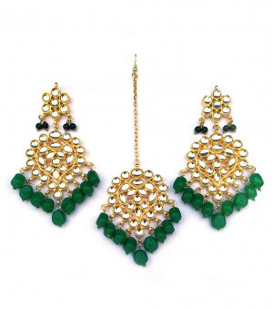 Kundan Earrings with Mang Tikka