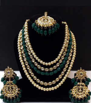 Kundan Long Haar with Green Color