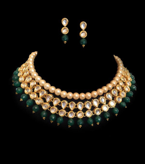 Kundan Necklece Set With Earrings Triangle Dark Green