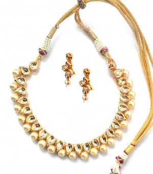 Kundan Necklece Set With Earrings Triangle Gold