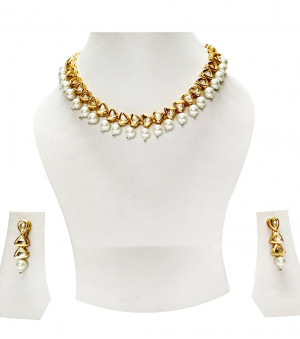 Kundan Necklece Set With Earrings Triangle white